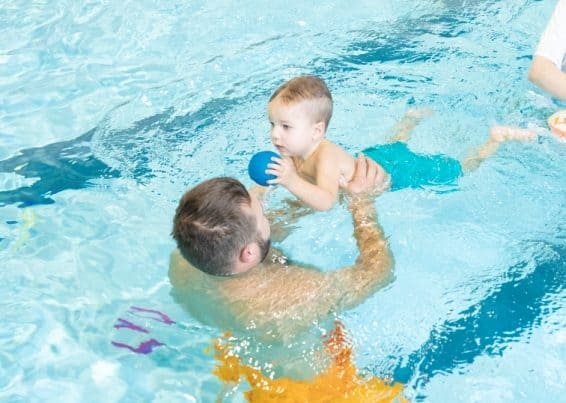 How to prepare your baby for swimming classes