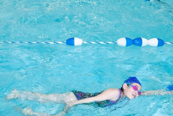 How to help your child to learn swimming faster