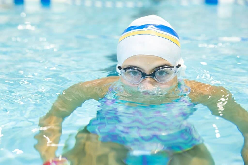 How to practice swimming skills at the intermediate level