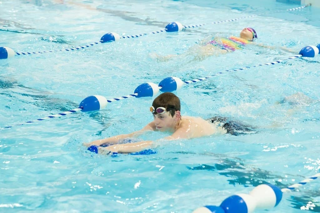 What to eat before swimming lessons for better performance
